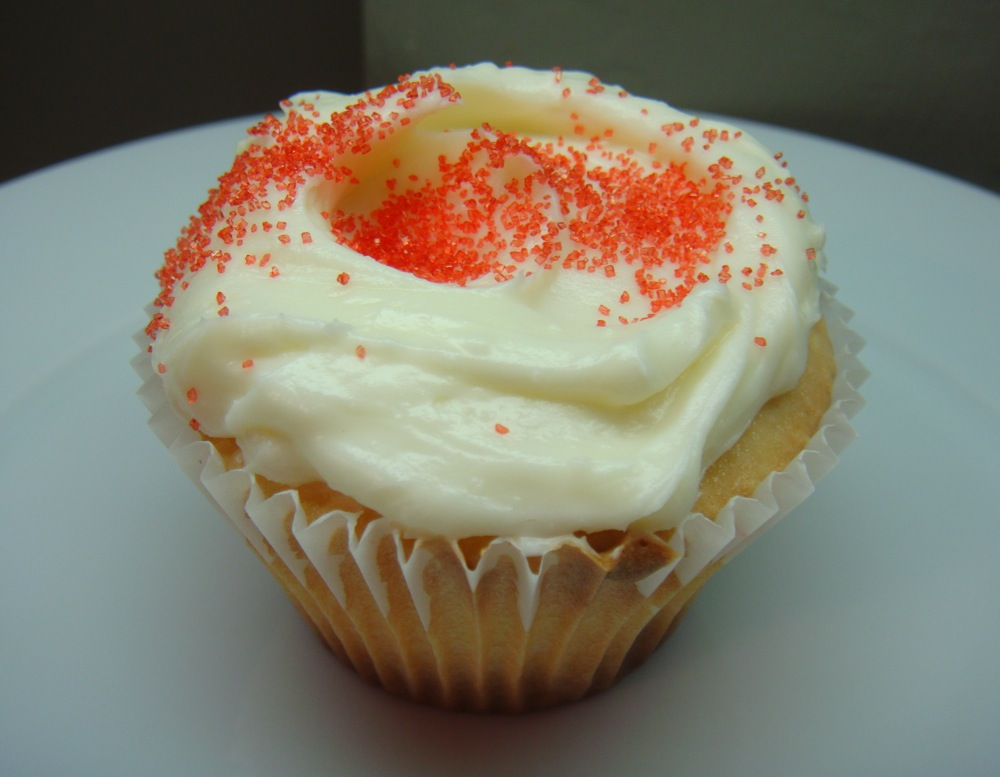 White Almond Sour Cream Cupcakes With Cream Cheese Frosting Recipe ...